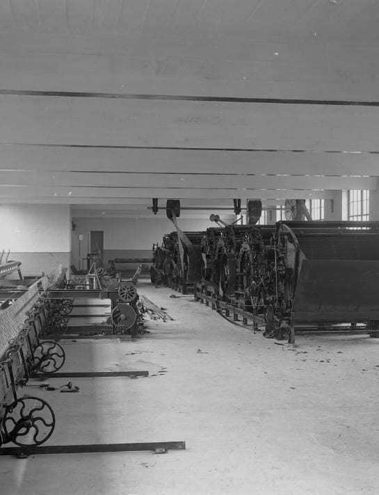 Textile_machinery_at_Cambrian_Factory,_Llanwrtyd_(1293993)